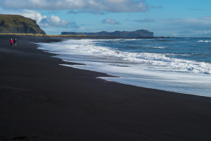 The-black-beach-Vik